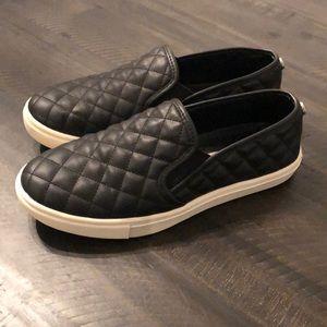 Steve Madden slip on shoes